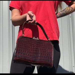 Retro Vintage brown crocodile handbag 💘